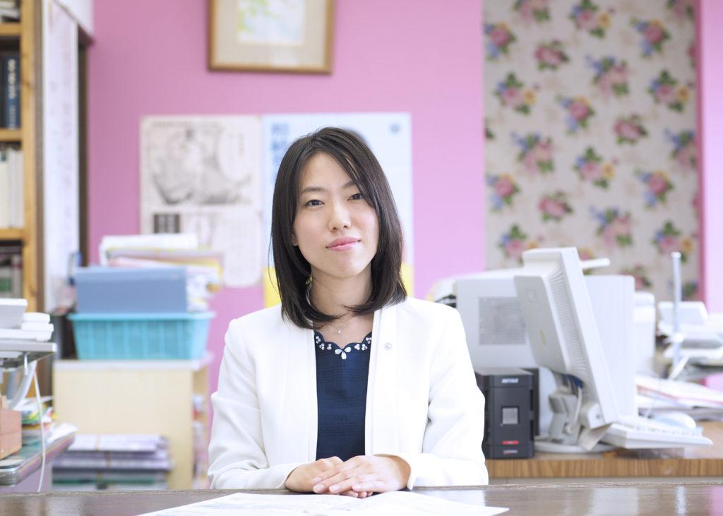 司法書士紹介 吉澤加織 : 埼玉県久喜市 司法書士ちく事務所  相続・遺言・贈与・売買・会社登記・成年後見・訴訟・調停など取り扱っています
